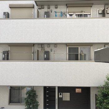お向かいのマンションが眺望です