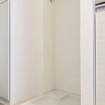 キッチンの横には洗濯機置き場があります
