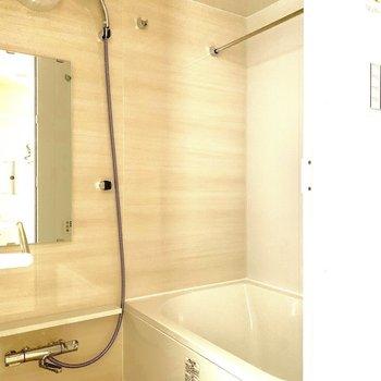 ありがたい浴室乾燥機付き※写真は6階の同間取り別部屋のものです