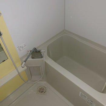 お風呂はスタンダードな感じですが※写真は通電前のものです