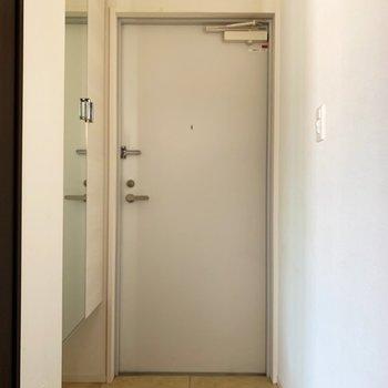 玄関もゆったりめかな