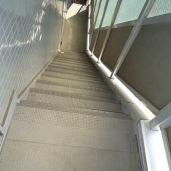 3階まで階段です、、!
