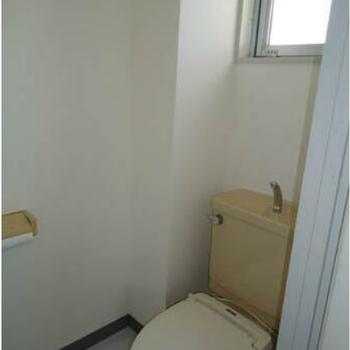 こちらはトイレ