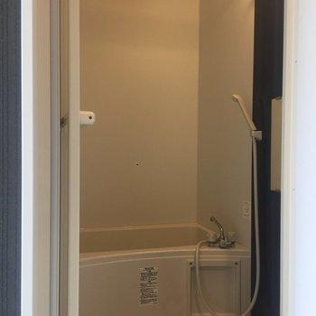 浴室乾燥機付きです!※写真はクリーニング前のものです