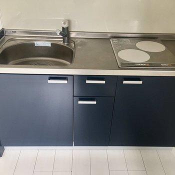 【DK】調理スペースは少し狭いですがありますね。