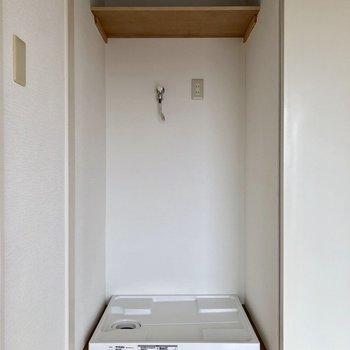 左にはなんと洗濯機置き場。見えない工夫は嬉しいですね
