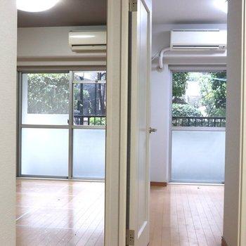 【DK】右が洋室1、左が洋室2