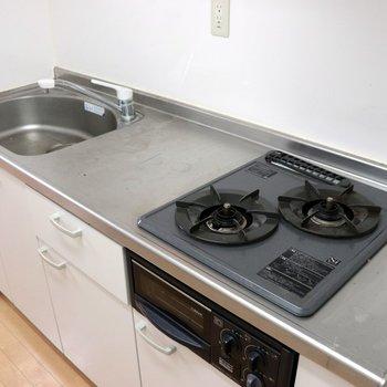 【DK】2口コンロで調理スペースは広め
