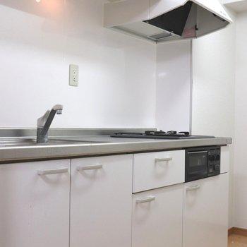 【DK】白基調でゆったりしたキッチン