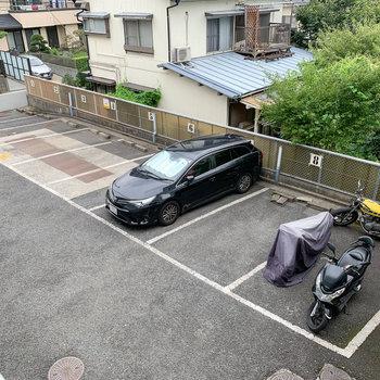 駐車場です。4番には普段、カーシェアの車があります。