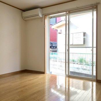 【DK】お天気がいい日には窓ぎわにすわりたい・・※写真は1階の同間取り別部屋のものです