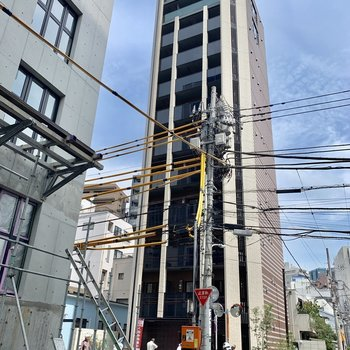12階建ての高い建物です