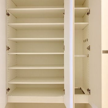 靴もたくさんしまえます※写真は7階の同間取り別部屋のものです