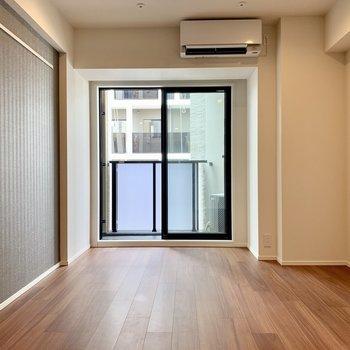 日当たりが良く明るい空間※写真は7階の同間取り別部屋のものです