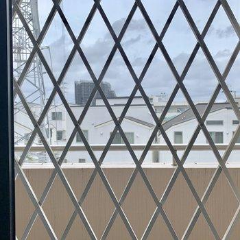 【洋室5.3帖】窓からは共用部が見えます