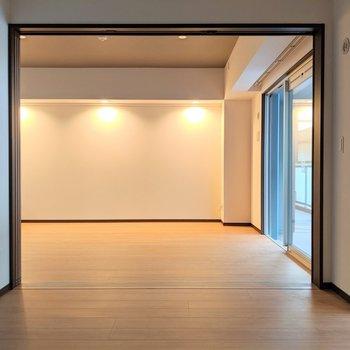 【洋室5.5帖】使い方自由自在だねっ(※写真は2階の反転間取り別部屋のものです)