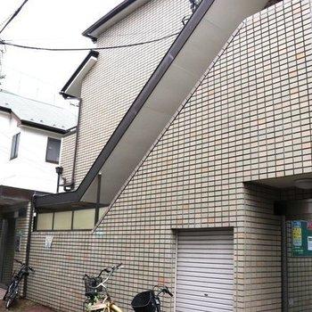 細道の奥にこのお家が。