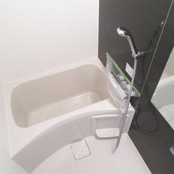 シャワーヘッドが大きいですね(※写真は4階の同間取り別部屋のものです)