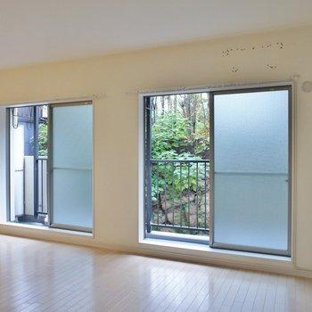 窓も多く日当たりもまずまず※写真は同タイプの別室。
