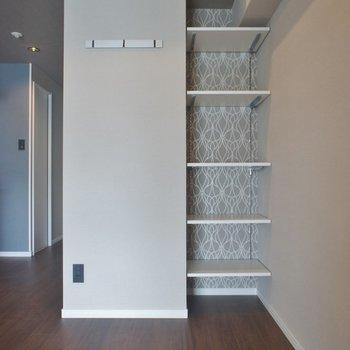 ちょっとした棚が便利なんですよ☆※写真は同タイプの別室。