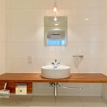 朝の身支度が楽しくなりそうな洗面台
