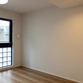 【LDK】ナチュラルな雰囲気。木製の家具が合いそうです。