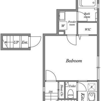 階段をあがった2階のお部屋です。