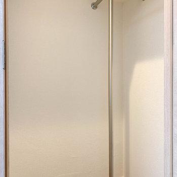 【洋室4.8帖】中はウォークインクローゼットになっています。※写真は前回募集時のものです