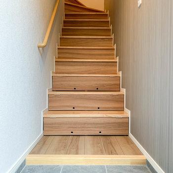 階段、下3段が収納になっています。※写真は前回募集時のものです