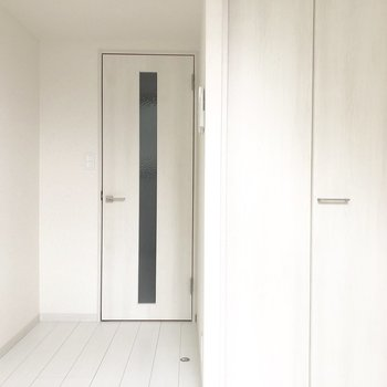 内装は白で統一されています。