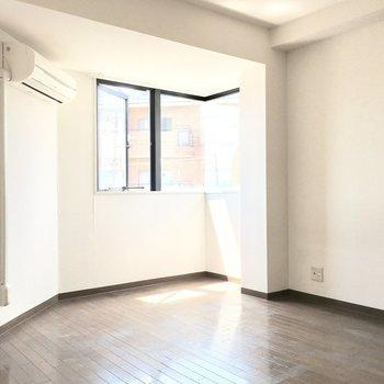 南向きで明るいお部屋♪ (※写真は3階の同間取り別部屋のものです)