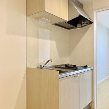 キッチンの隣には冷蔵庫が置けますよ