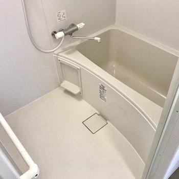 お風呂もぴかぴか。サーモ水栓で使いやすく
