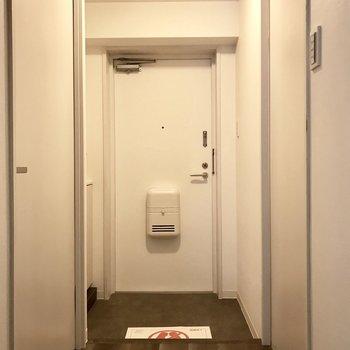 玄関もちょうどいい広さです