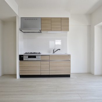 【LDK】リビングに戻ってキッチン周りへ、冷蔵庫も食器棚も置けますね