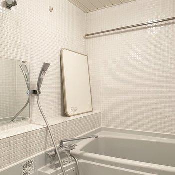 お風呂は浴室乾燥機付きなので、雨の日も安心です