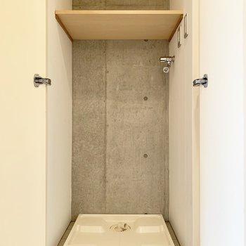 洗濯機置場が扉で隠されているという気配りに感謝