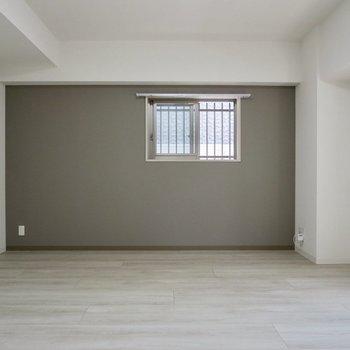 【LDK】アクセントクロスが素敵※写真は1階の同間取り別部屋のものです