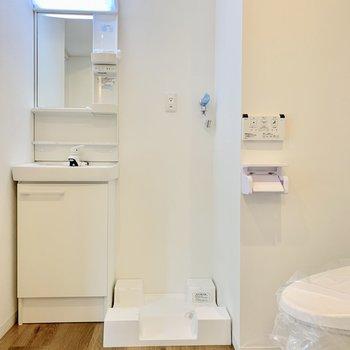 水回りは脱衣所にまとめられています※写真は2階の同間取り別部屋のものです