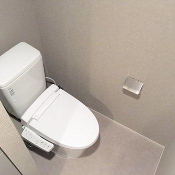 一番奥にトイレがあります。