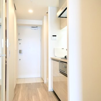 キッチンのスペースもたっぷり。※写真は4階の同間取り別部屋のものです