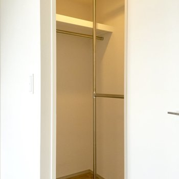 ジャン!収納量はかなり確保されてますね〜。※写真は4階の同間取り別部屋のものです