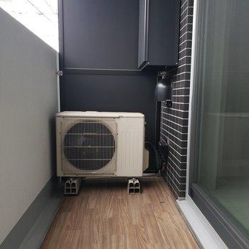 自然の風と太陽光で、洗濯物を乾かしましょう。※写真は1階の同間取り別部屋のものです
