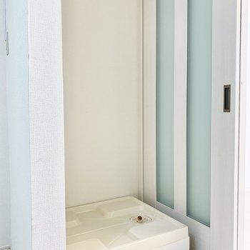 洗濯物置き場は洋室前に。