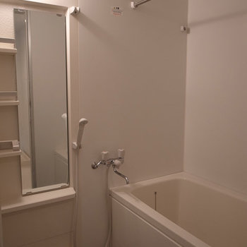 ちょっと広めのお風呂。※写真は3階の同間取り別部屋のものです
