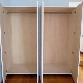 クローゼットはこの2つ。※写真は3階の同間取り別部屋のものです