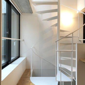 【2F】このフロアでみる螺旋階段がとってもかっこいいんです。