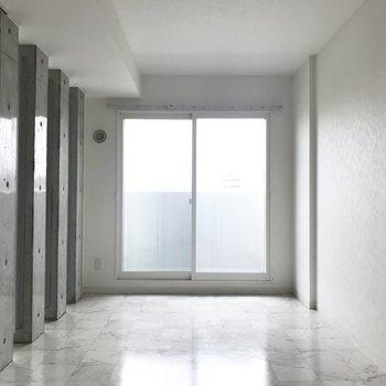 こちらは7帖の洋室※同間取り別部屋です