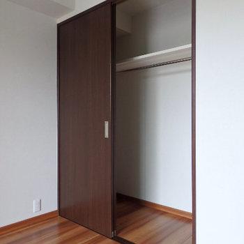 収納もわりかし大きめ(※写真は6階の同間取り別部屋のものです)