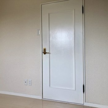 【5帖】ドアもステキね。